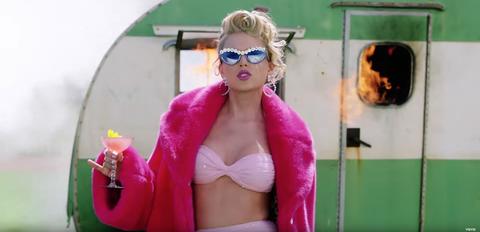 Lingerie taylor swift Taylor Swift