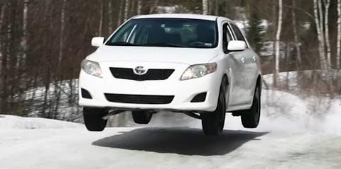 Land vehicle, Vehicle, Car, Luxury vehicle, Mid-size car, Mazda cx-7, Automotive exterior, Bumper, Automotive design, Crossover suv,