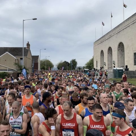 Runner dies at Swansea Half Marathon after collapsing near the finish