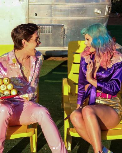 Purple, Yellow, Pink, Leg, Fun, Fashion, Thigh, Sitting, Magenta, Performance,