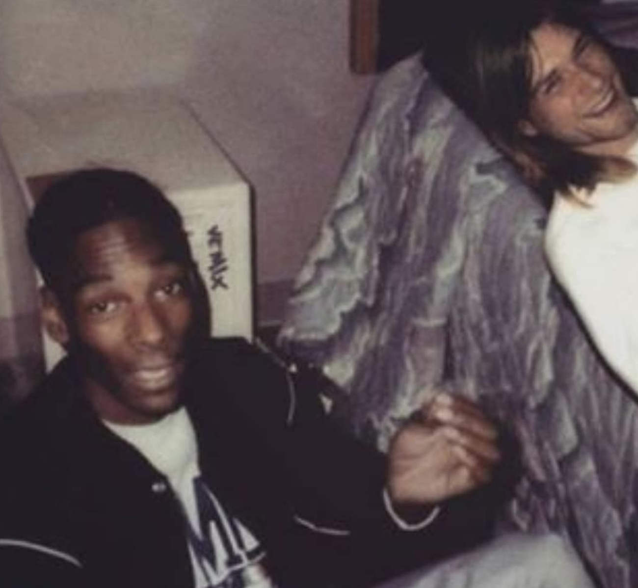 A Photo of Snoop Dogg Smoking Weed With Kurt Cobain Set Instagram on Fire