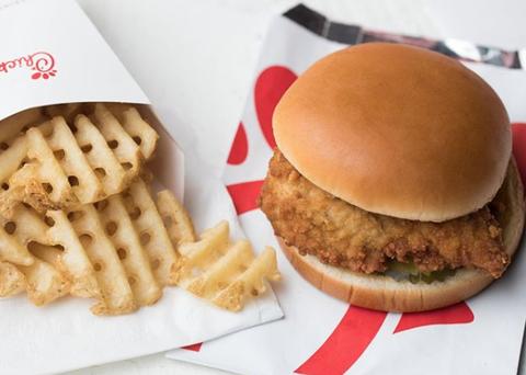 Dish, Food, Cuisine, Junk food, Hamburger, Fast food, Veggie burger, Ingredient, Cheeseburger, Kids' meal,