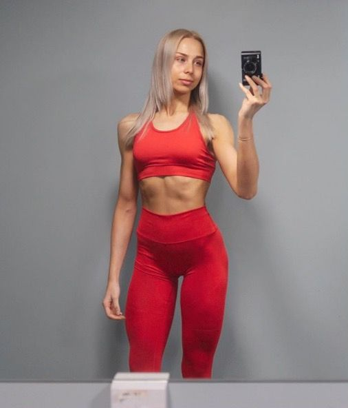 Fitness Instagrammer gets real about the truth behind building abs