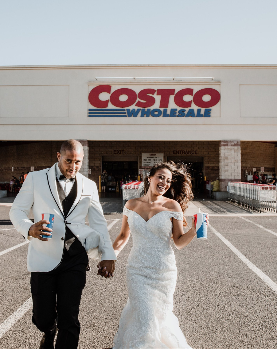 A Couple Took Wedding Photos at Costco in The Aisle That They Met, and I Can't Stop Crying