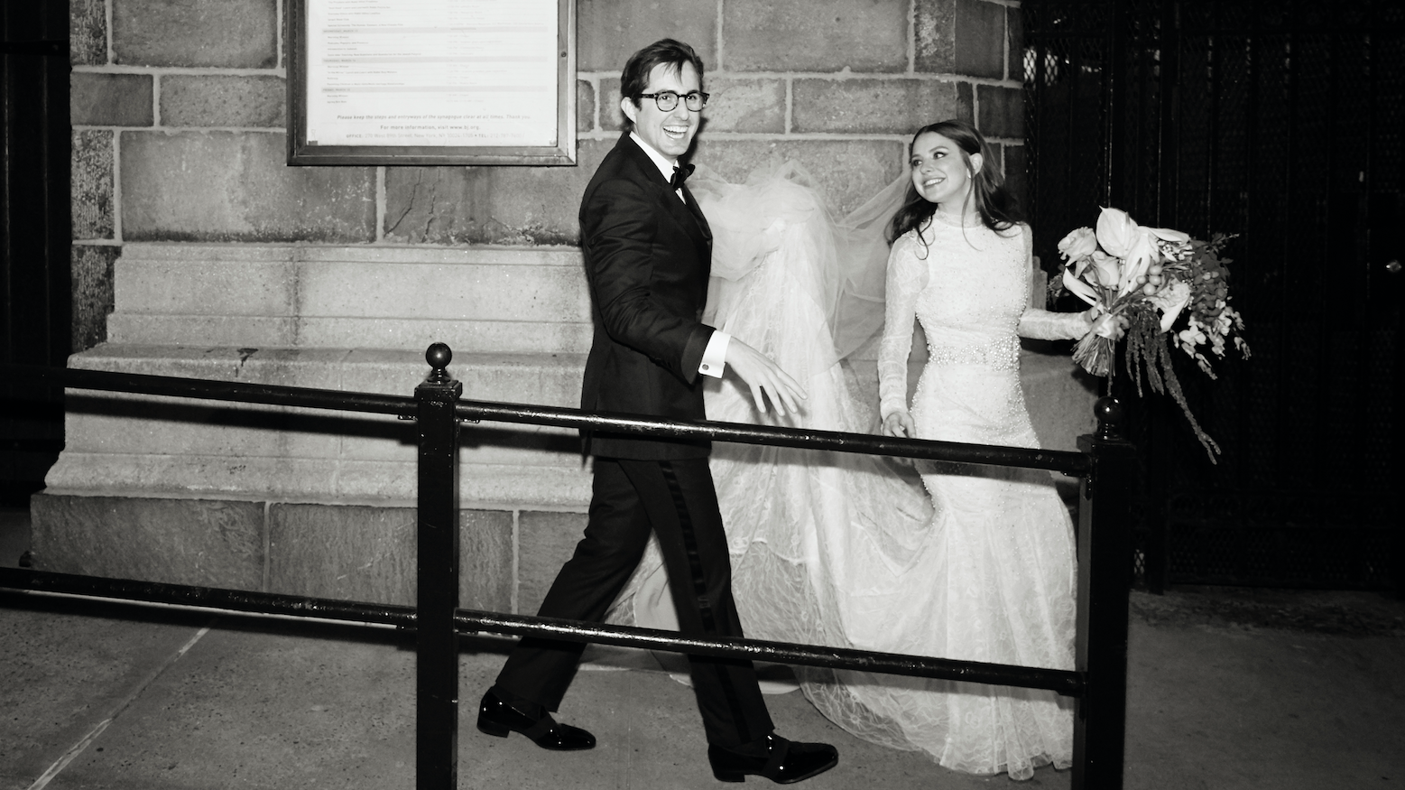 Ruthie Friedlander & Steven Chaiken Had The Ultimate New York City Wedding—With a Unicorn Color Palette & Chinese Takeaway