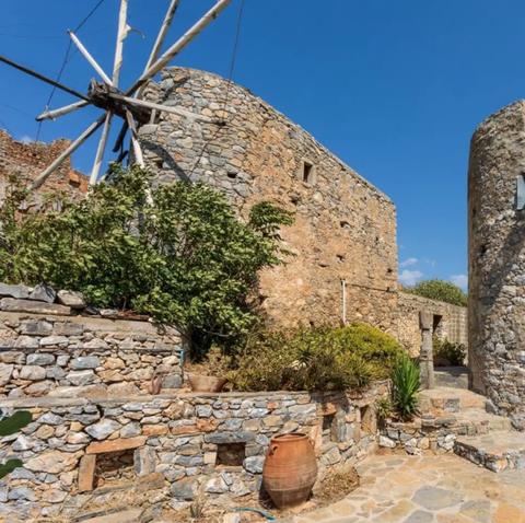 the bachelorette windmill fantasy suite greece