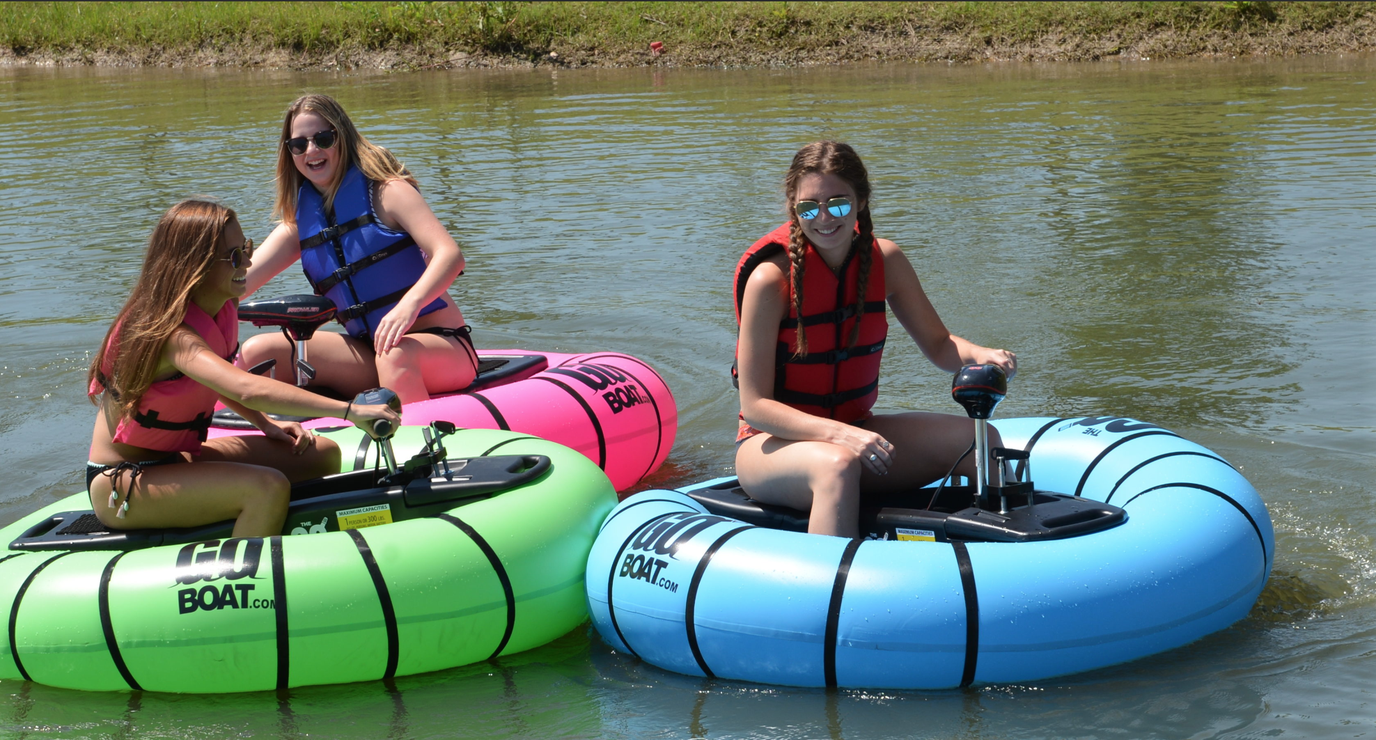 This Motorized Float Allows You to Play Bumper Cars in Basically Any Body of Water