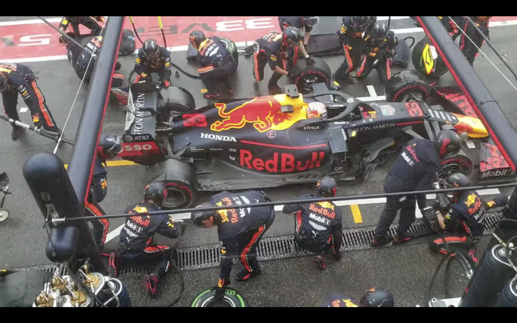 Witness the World's Fastest Pit Stop (in 1.82 Seconds)