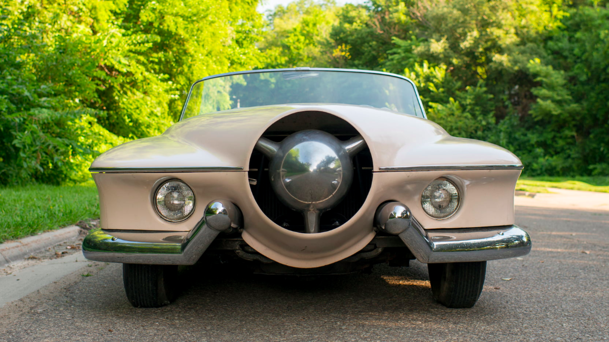 Bless Your Local Car Meet With the One-Off Studebaker Manta Ray