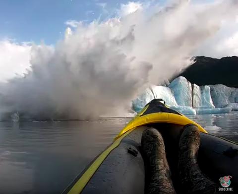 Geological phenomenon, Wave, Smoke, Steam, Vehicle, Tide, Tsunami, Glacier, Wind wave,
