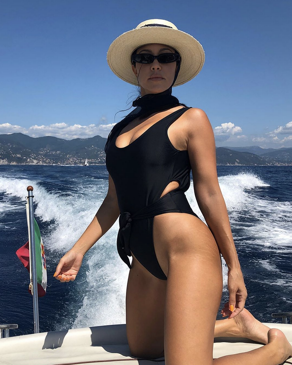 IG is Commenting Like Crazy on Kourtney Kardashian's Unedited Stretch Marks Post