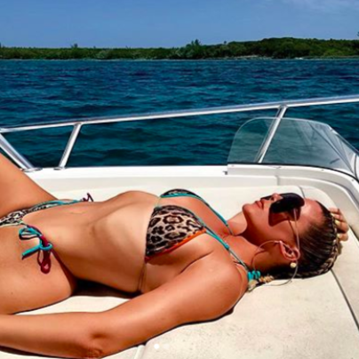 Here's Proof Khloé Kardashian Didn't Photoshop Those Instagram Bikini Pics