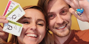 YouTuber Hannah Witton proposed to her boyfriend with a keyring