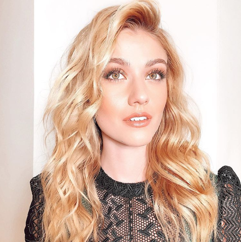 How To Curl Your Hair With A Straightener Use Flat Iron To Get Loose Tousled Waves