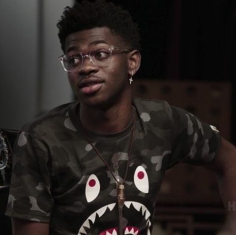 Cool, Hairstyle, Music, T-shirt, Photography, Black hair, Audio equipment, Darkness, Facial hair, Glasses,