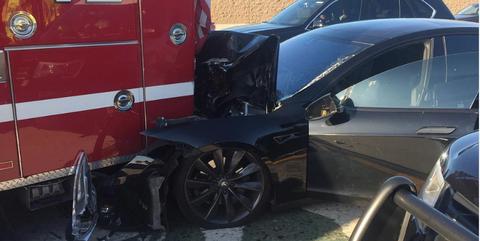 Tesla Model S Crash with Fire Truck January 2018