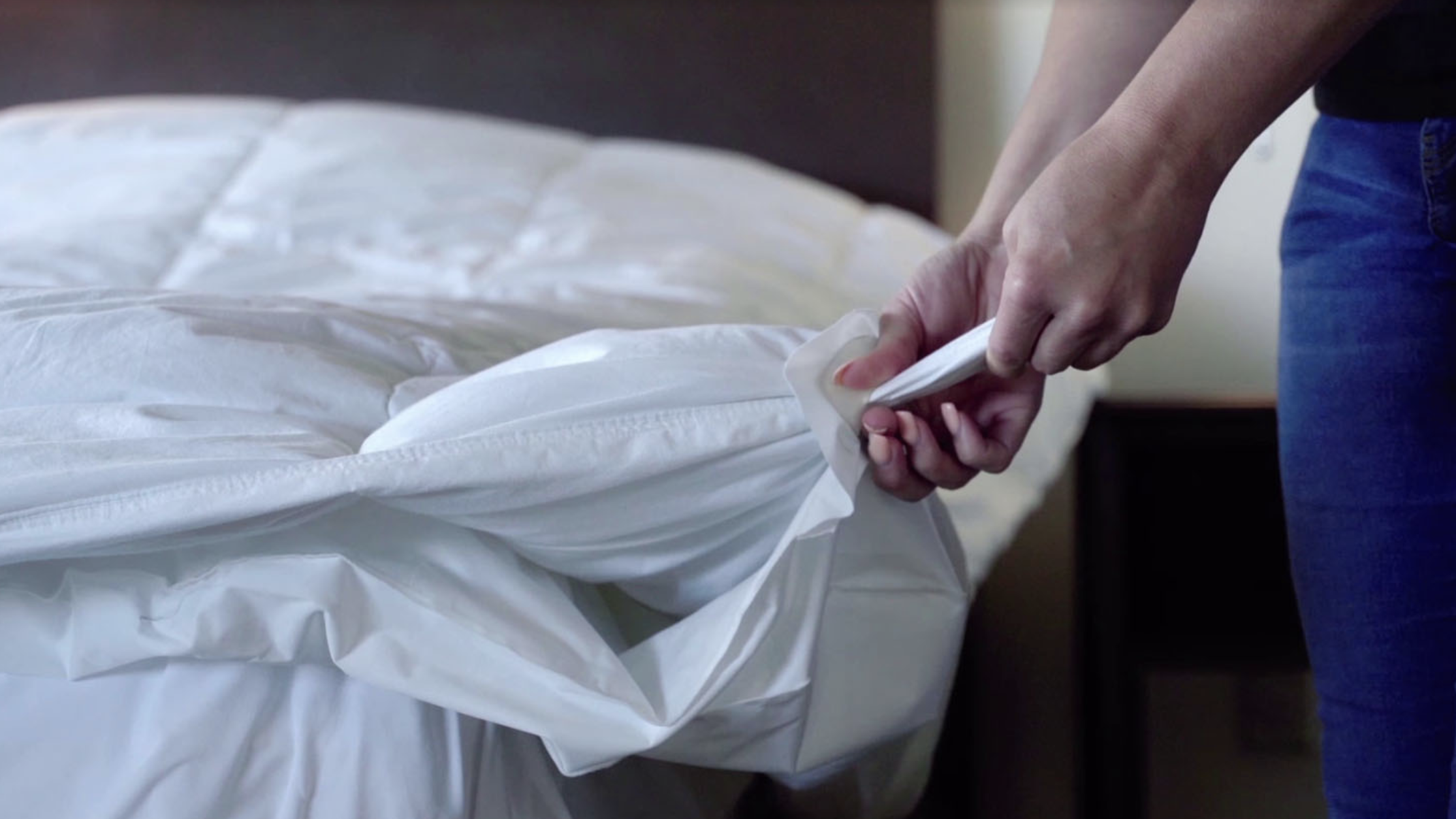 Smartduvet Is A Gadget That Actually Makes Your Bed For You Each Morning