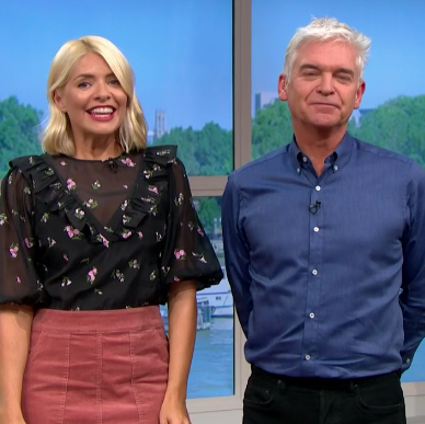 Holly Willoughby embraces autumn with cord skirt
