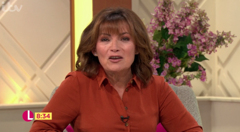 Lorraine goes full autumn in gorgeous spice-coloured shirt dress