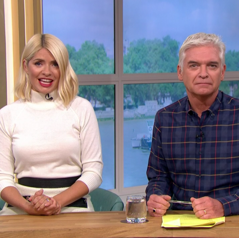 Holly Willoughby embraces autumn with first tights look of the season