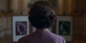 Queen Elizabeth Stamps the crown