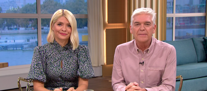 Holly Willoughby's floral mini dress is the autumn style inspiration we need
