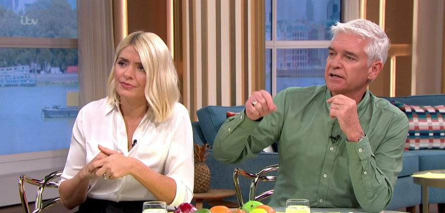 Holly Willoughby goes back to basics with chic white shirt