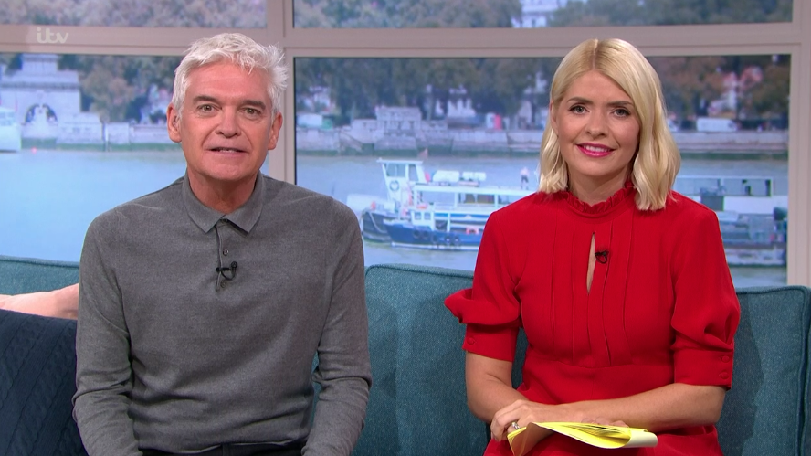 Holly Willoughby glams up in the ultimate red dress