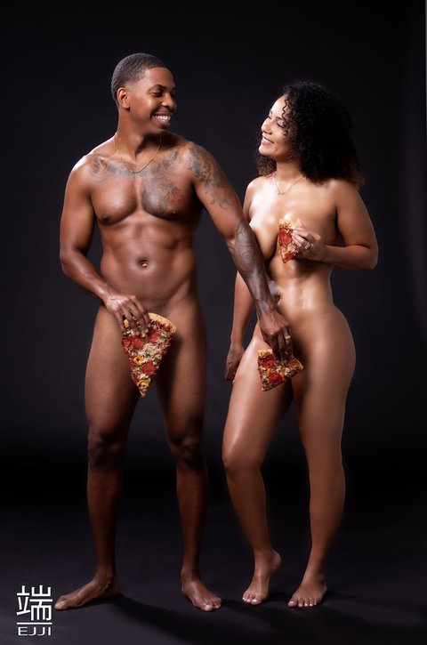 This Couple Posed Naked With Pizza For Their Engagement Photos-1520