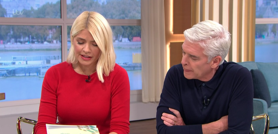 Holly Willoughby shows us how to do head to toe knitwear