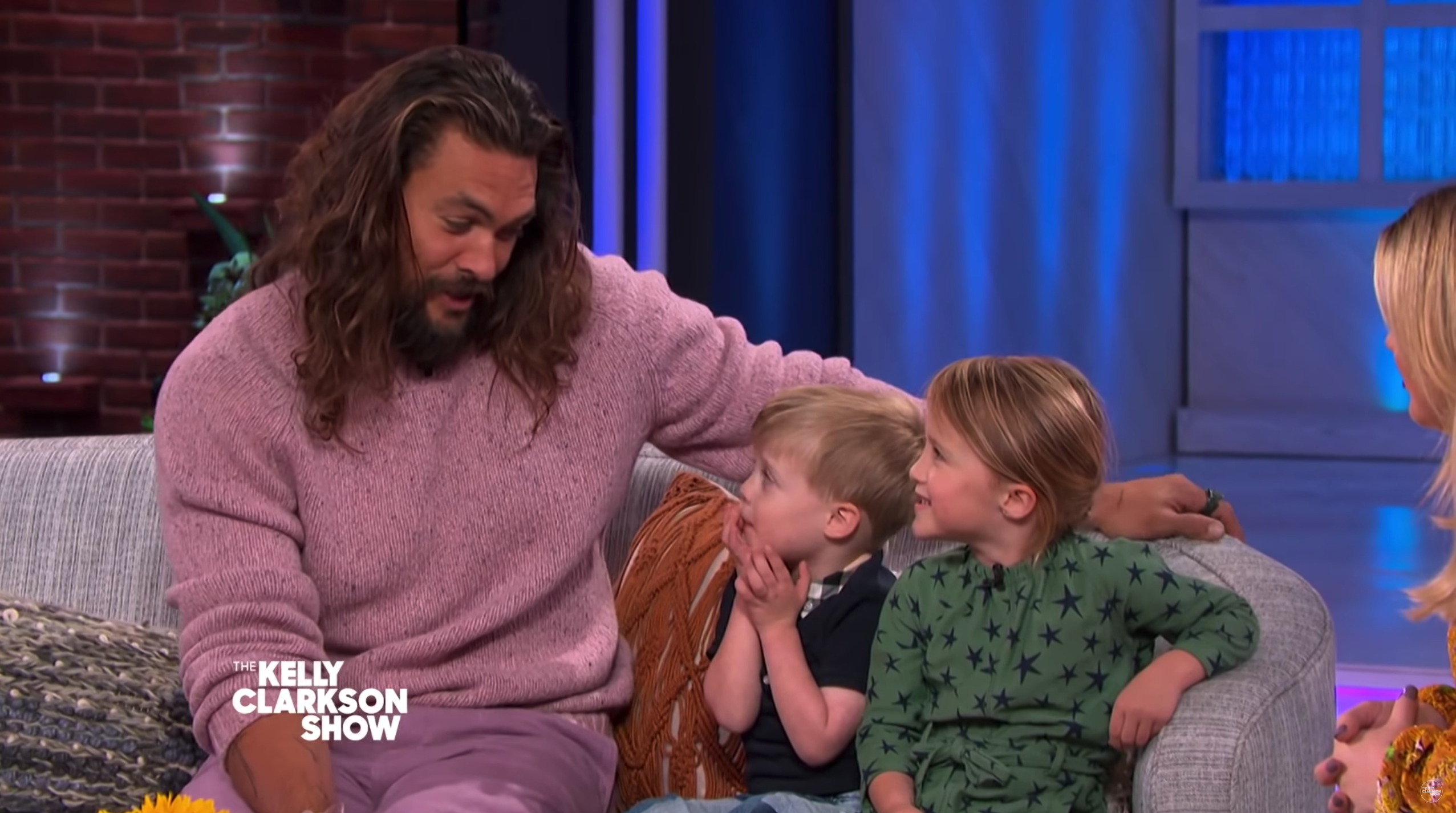 Kelly Clarkson's Kids Adorably Asked Jason Momoa All About Being Aquaman