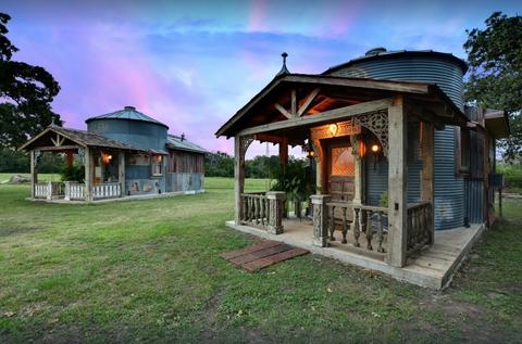 Property, House, Building, Home, Real estate, Sky, Cottage, Estate, Landscape, Grass,