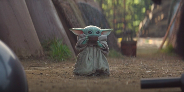 Best Baby Yoda Memes From Star Wars The Mandalorian Baby Yoda Sipping Soup Meme