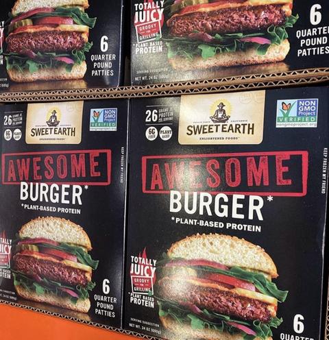Fast food, Food, Whopper, Patty, Burger king premium burgers, Cuisine, Sandwich, Advertising, Hamburger, Dish,