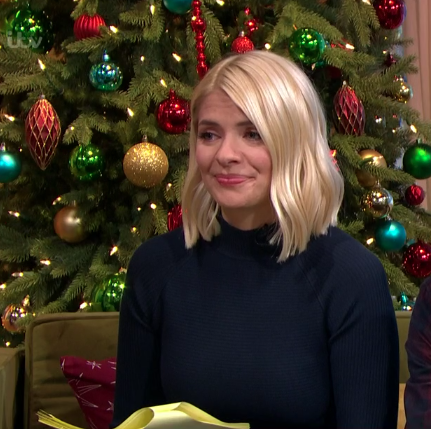 Holly Willoughby wows in the cosiest knitted dress