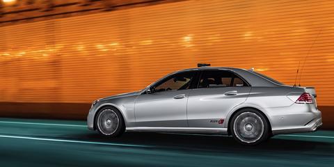 Land vehicle, Vehicle, Car, Luxury vehicle, Personal luxury car, Automotive design, Mercedes-benz, Full-size car, Alloy wheel, Mid-size car,