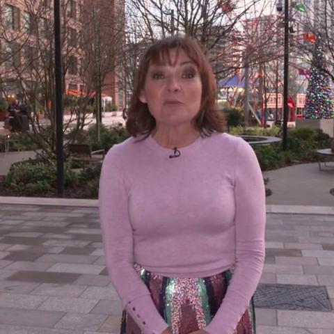 Lorraine Kelly sparkly skirt