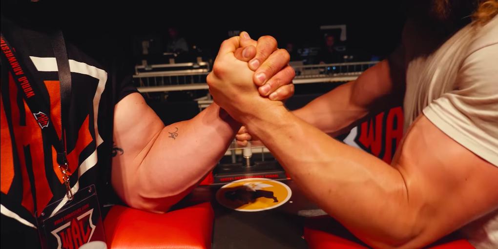 Jujimufu Learns That Professional Arm Wrestlers Beat Bodybuilders