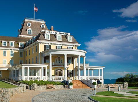 Building, Property, Estate, Landmark, House, Architecture, Mansion, Home, Real estate, Sky,