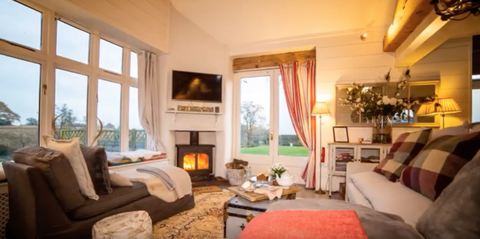 Room, Property, Living room, Furniture, Interior design, Building, House, Ceiling, Home, Real estate,