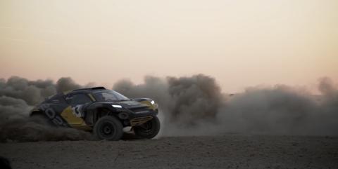 Land vehicle, Motorsport, Off-road racing, Dust, Vehicle, Rally raid, Racing, World rally championship, Car, Auto racing,