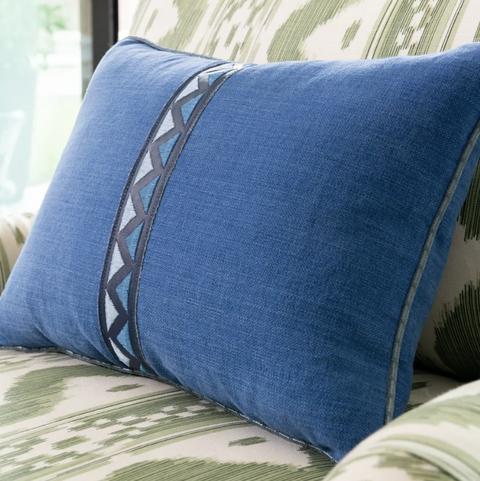 Pillow, Blue, Bedding, Furniture, Throw pillow, Cushion, Bedroom, Duvet cover, Textile, Bed sheet,