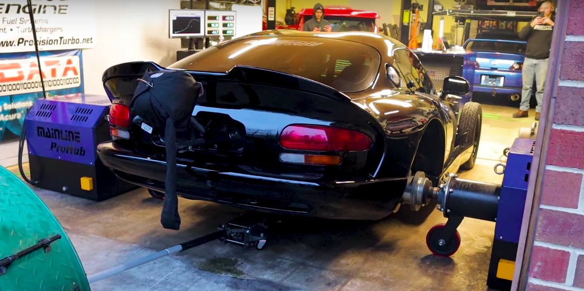 Watch 2800-HP Twin-Turbo Viper Do Exceedingly Violent Dyno Pulls