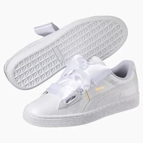 Footwear, White, Shoe, Walking shoe, Product, Sneakers, Tennis shoe, Outdoor shoe, Athletic shoe, Skate shoe,