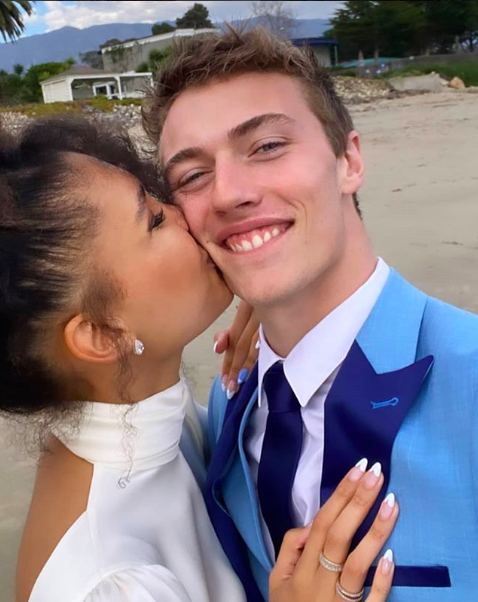 Lucky Blue Smith marries model Nara Pellman in low-key beach wedding