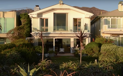 Home, House, Property, Building, Real estate, Residential area, Estate, Facade, Villa, Roof,