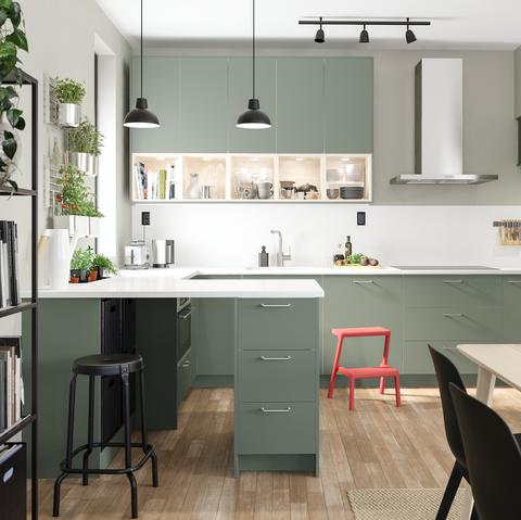 Countertop, Room, Kitchen, Furniture, Cabinetry, Property, Interior design, Building, Floor, House,