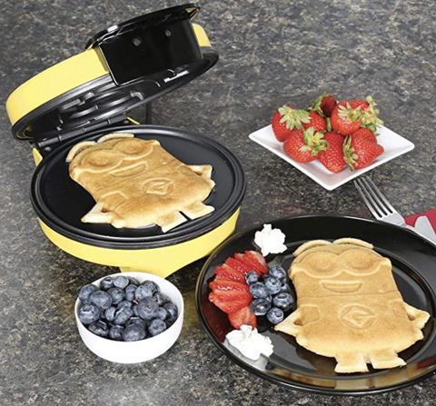 Dish, Food, Cuisine, Ingredient, Meal, Breakfast, Pancake, Berry, Dessert, Waffle iron,