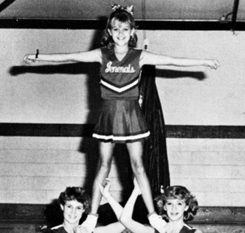 Majorette (dancer), Performance, Cheerleading uniform, Cheerleading, Dancer, Performing arts, Uniform, Cheering,