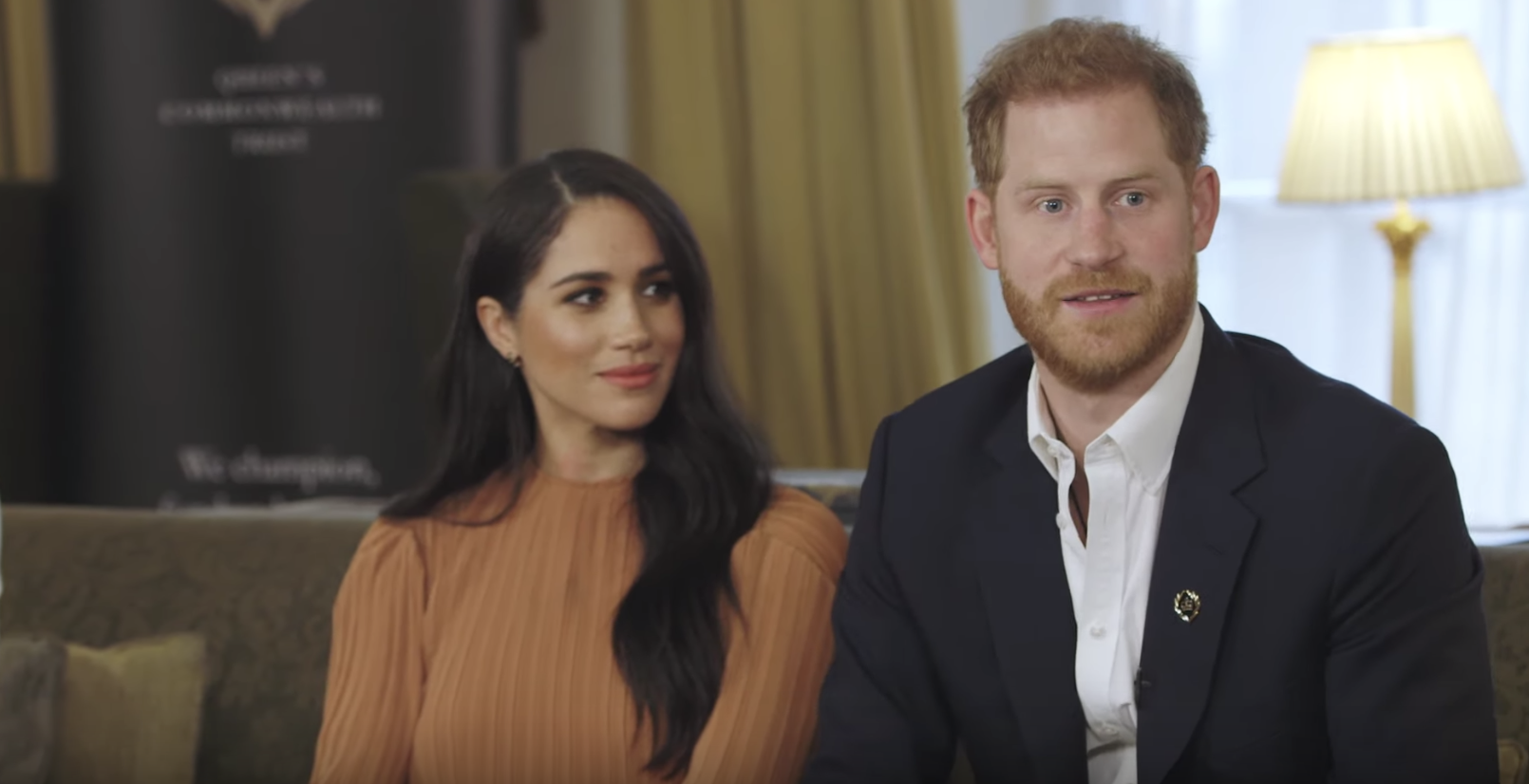 prince harry meghan markle privately met youth leaders from the commonwealth at buckingham palace prince harry meghan markle privately